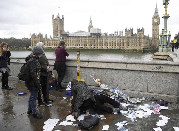 Σοκάρουν οι πρώτες εικόνες από την επίθεση στο Λονδίνο
