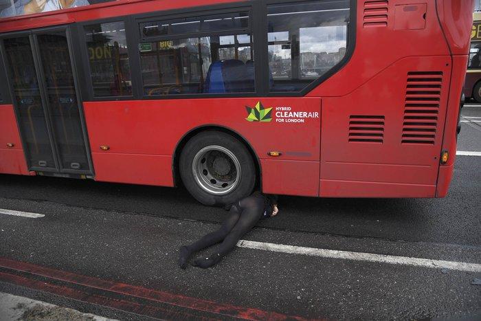 Σοκάρουν οι πρώτες εικόνες από την επίθεση στο Λονδίνο - εικόνα 2