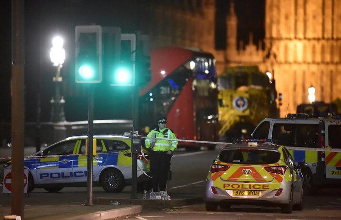 Tρόμος στην καρδιά του Λονδίνου με 4 νεκρούς & 29 τραυματίες - εικόνα 2