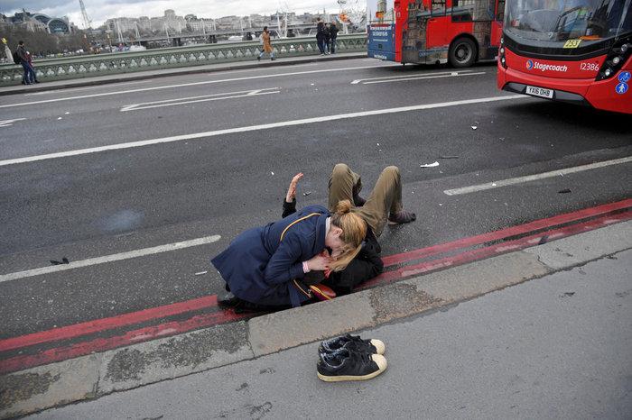 Tρόμος στην καρδιά του Λονδίνου με 4 νεκρούς & 29 τραυματίες
