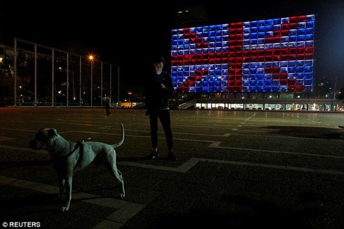 Επίθεση στο Λονδίνο: Ο πύργος του Άιφελ έσβησε τα φώτα του (ΦΩΤΟ) - εικόνα 3