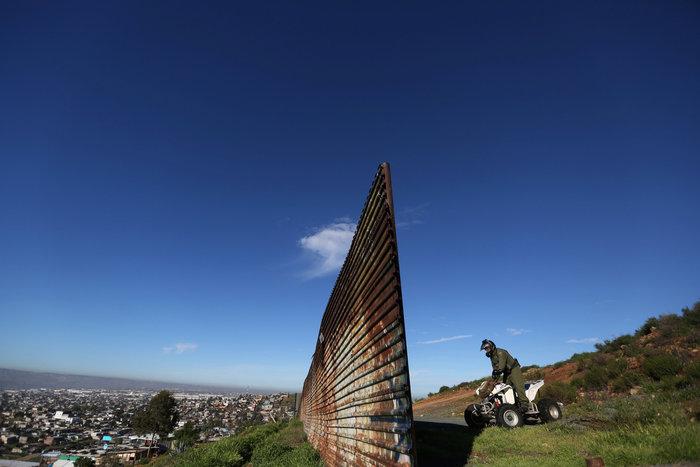 Σύνορα ΗΠΑ - Μεξικού: Απελπισία και όνειρα στον φράκτη του Μπους - εικόνα 17