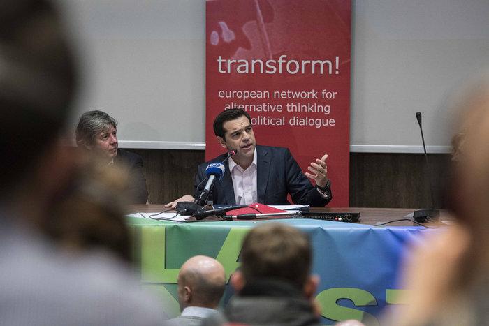 Ο Τσίπρας διχασμένος στο «εδώ» και στο «εκεί»: ομιλία σε συντρόφους - εικόνα 2