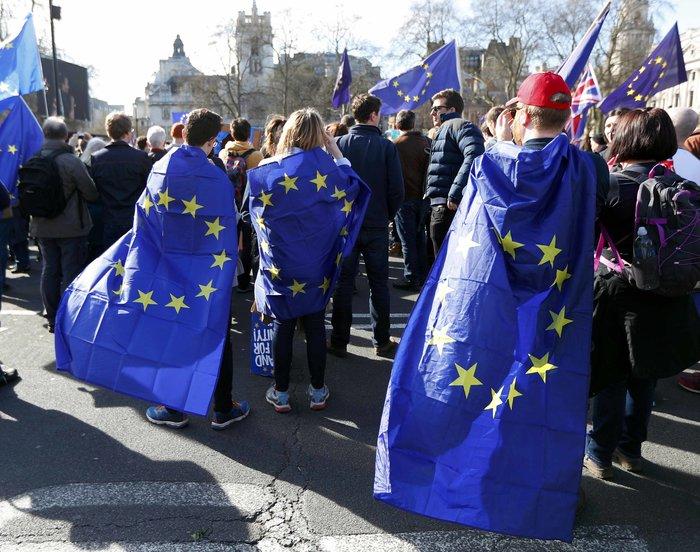 Στους δρόμους κατέβηκαν (ξανά) οι Αγγλοι εναντίον του Brexit - εικόνα 6