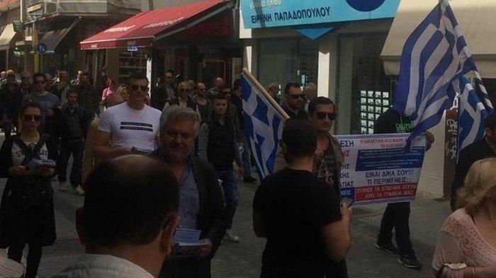 Συνέλληνες-υποστηρικτές του Σώρρα διαδηλώνουν στην Τρίπολη φωτό - εικόνα 3