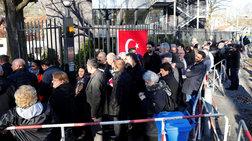Στις κάλπες οι Τούρκοι της Γερμανίας για το δημοψήφισμα του Ερντογάν