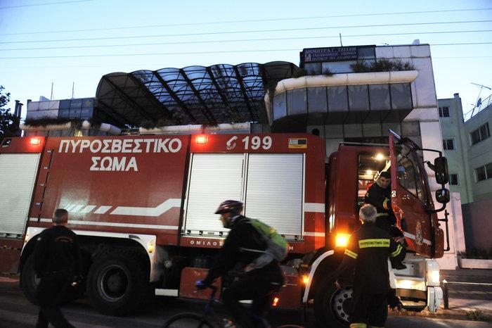 Υπό έλεγχο τέθηκε η φωτιά σε εμπορικό κέντρο στο Χαλάνδρι - εικόνα 2