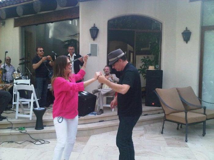 Ρίτα Γουίλσον: Η ωδή της συζύγου του Τομ Χανκς στο ελληνικό Πάσχα - εικόνα 3