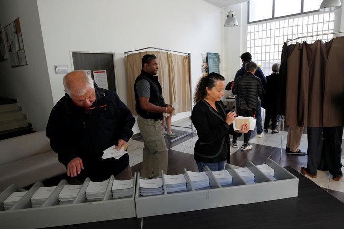 Ψηφίζουν οι Γάλλοι - Κάλπες ορόσημο για ολόκληρη την Ευρώπη
