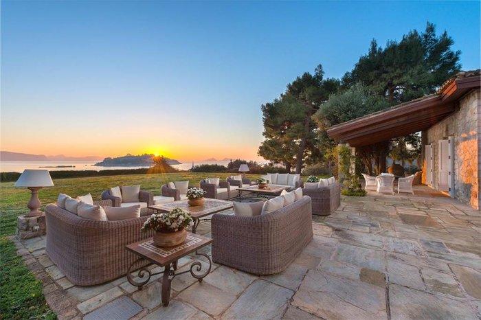 Μπείτε στο πιο ακριβό σπίτι της Ελλάδας-  Πωλείται για 20 εκατ. ευρώ - εικόνα 5