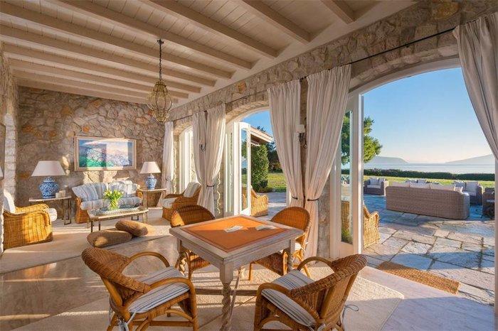 Μπείτε στο πιο ακριβό σπίτι της Ελλάδας-  Πωλείται για 20 εκατ. ευρώ - εικόνα 9