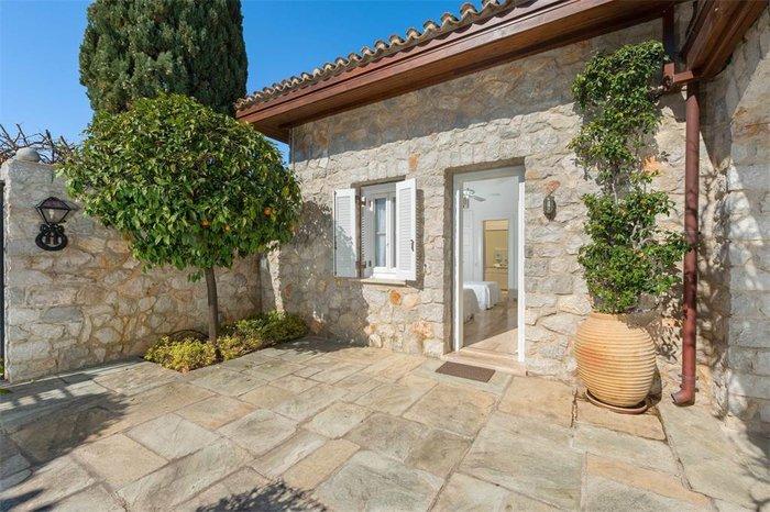 Μπείτε στο πιο ακριβό σπίτι της Ελλάδας-  Πωλείται για 20 εκατ. ευρώ - εικόνα 17
