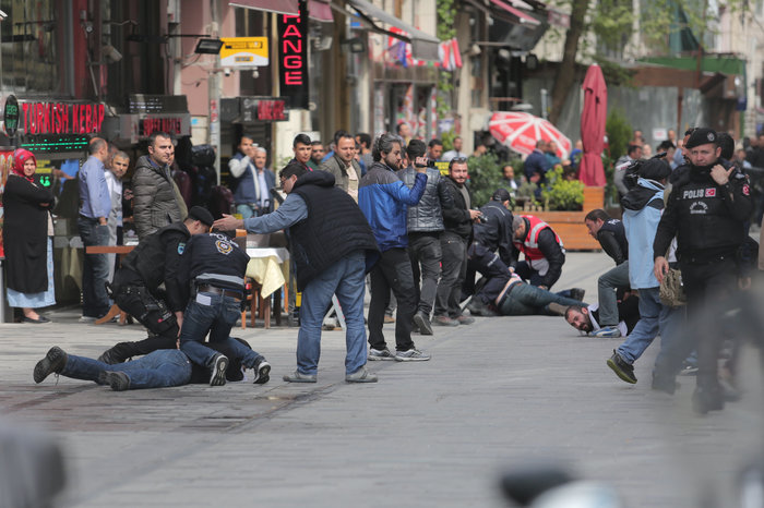 Τουρκία: Ξύλο και δακρυγόνα στην πορεία της Πρωτομαγιάς - εικόνα 5
