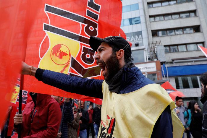 Τουρκία: Ξύλο και δακρυγόνα στην πορεία της Πρωτομαγιάς - εικόνα 6