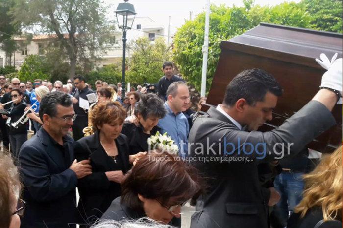 Θρήνος και οδυνηρά γιατί στην κηδεία της 36χρονης Μ.Ιατρού