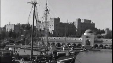 ekpliktiko-odoiporiko-stin-rodo-apo-to-makrino-1961-video