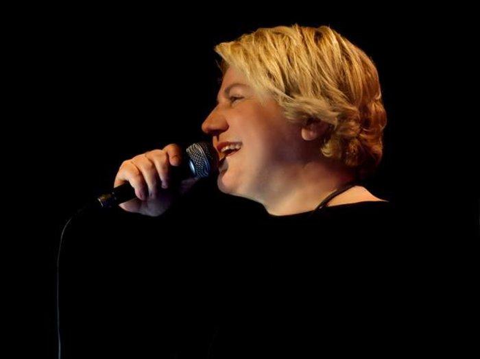 """Η Αργυρώ Καπαρού τραγουδά τους ποιητές στη """"Σφίγγα"""" - εικόνα 2"""