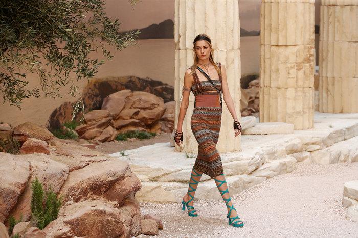 Chanel: H φετινή κολεξιόν με δύναμη από την ελληνική αρχαιότητα