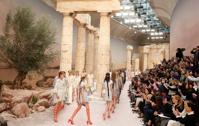 Chanel: H φετινή κολεξιόν με δύναμη από την ελληνική αρχαιότητα - εικόνα 2