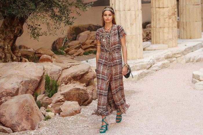 Chanel: H φετινή κολεξιόν με δύναμη από την ελληνική αρχαιότητα - εικόνα 3