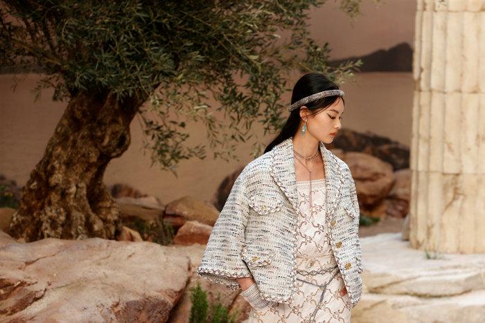 Chanel: H φετινή κολεξιόν με δύναμη από την ελληνική αρχαιότητα - εικόνα 7