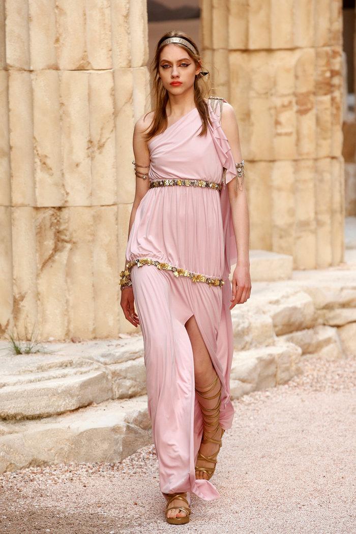 Chanel: H φετινή κολεξιόν με δύναμη από την ελληνική αρχαιότητα - εικόνα 11