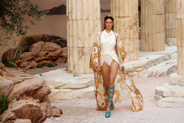 Chanel: H φετινή κολεξιόν με δύναμη από την ελληνική αρχαιότητα - εικόνα 12