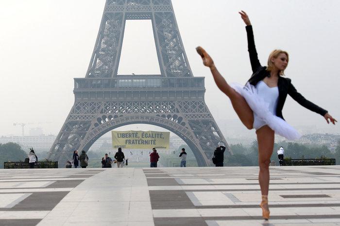 Η αισθητική των Γάλλων ακόμα και όταν δίνουν μήνυμα κατά του φασισμού