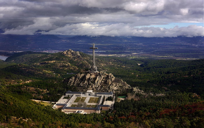 Η Ισπανία προχωρά στην εκταφή του δικτάτορα Φράνκο