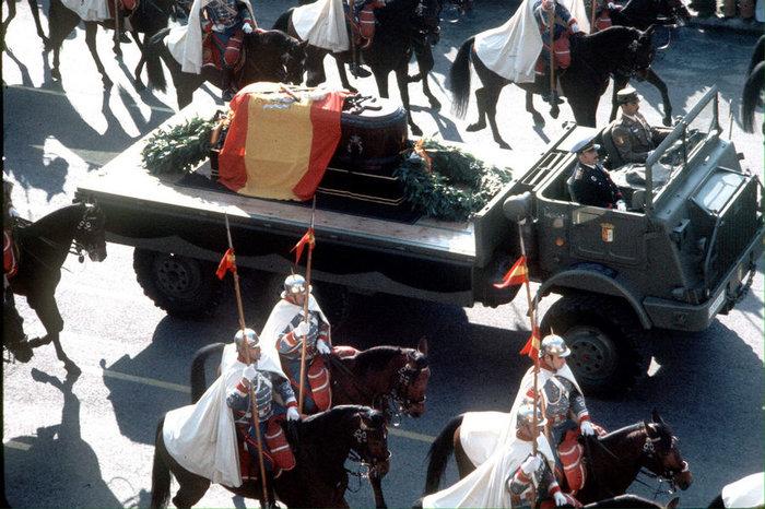 Η Ισπανία προχωρά στην εκταφή του δικτάτορα Φράνκο - εικόνα 4