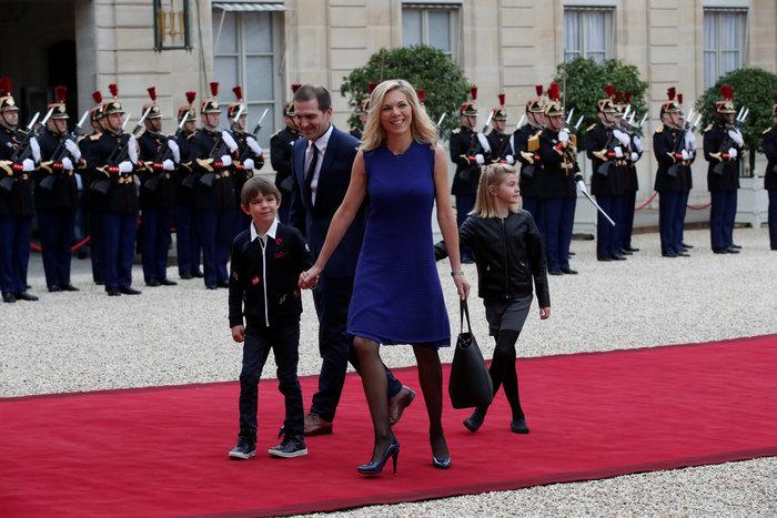 Η Λοράνς Οζιέ Ζουρντάν με τον σύζυγο και τα παιδιά της