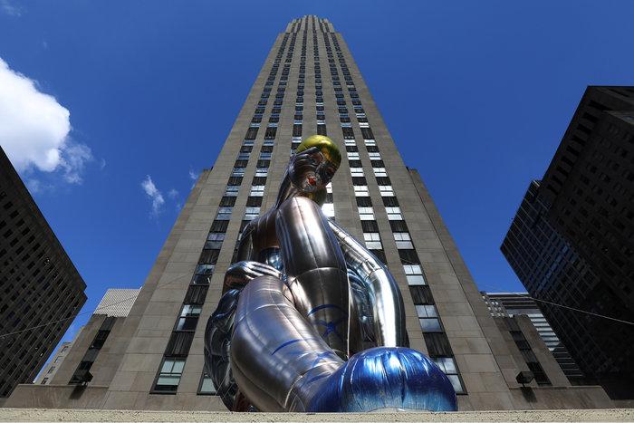 Μια καθιστή μπαλαρίνα κλέβει τα βλέμματα στην καρδιά της Νέας Υόρκης - εικόνα 3