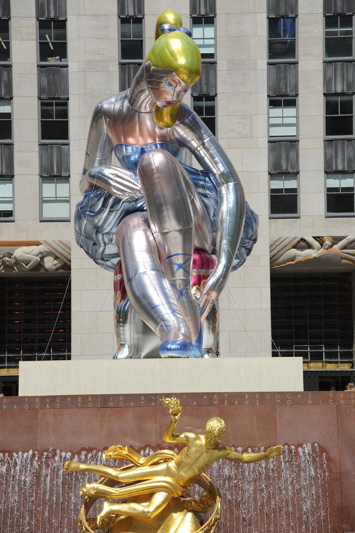 Μια καθιστή μπαλαρίνα κλέβει τα βλέμματα στην καρδιά της Νέας Υόρκης - εικόνα 5