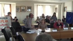 Χαμός στο ΔΣ της Φλώρινας - Σύμβουλος πέταγε ότι έβρισκε video