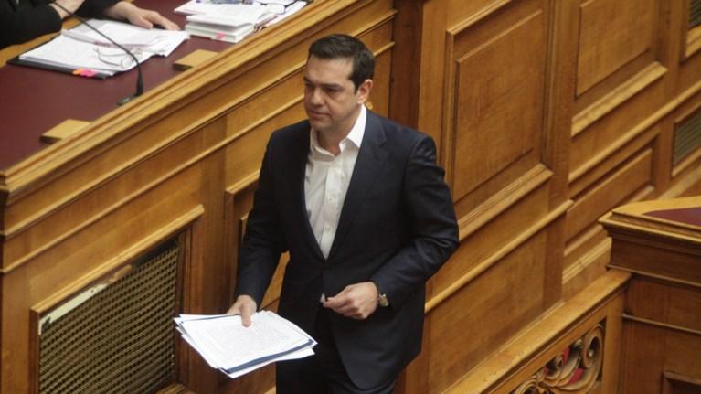 oi-maures-selides-sto-success-story-tou-tsipra-sti-bouli