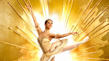 i-wraia-koimwmeni-periodeuei-stin-ellada-apo-ta-russian-ballet-theater