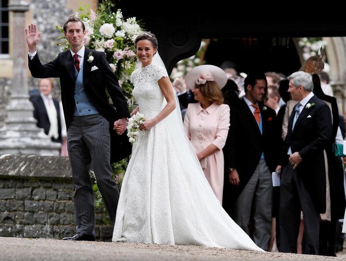Τζέιμς-Πίπα! To πρώτο φιλί του γάμου του καλοκαιριού - εικόνα 10