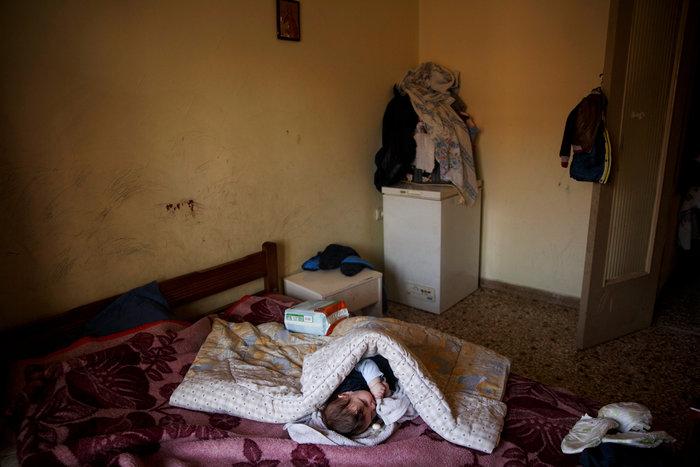 Reuters: Η φτώχεια δοκιμάζει τις ελληνικές οικογένειες στην κρίση