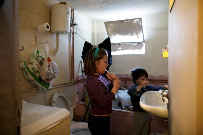 Reuters: Η φτώχεια δοκιμάζει τις ελληνικές οικογένειες στην κρίση - εικόνα 5
