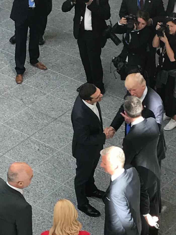 Ο Τσίπρας συνάντησε τον Τραμπ στη Σύνοδο του ΝΑΤΟ [εικόνες] - εικόνα 4