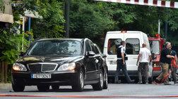 Σύσσωμη η πολιτική ηγεσία καταδικάζει την επίθεση στον Λουκά Παπαδήμο