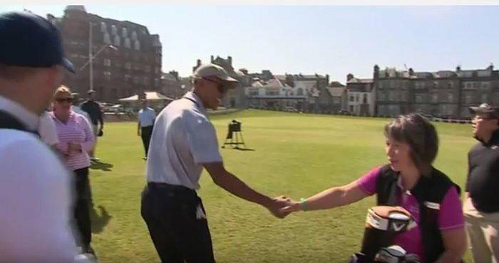 Ο Μπαράκ Ομπάμα παίζει γκολφ και οι φαν παραληρούν [Βίντεο]