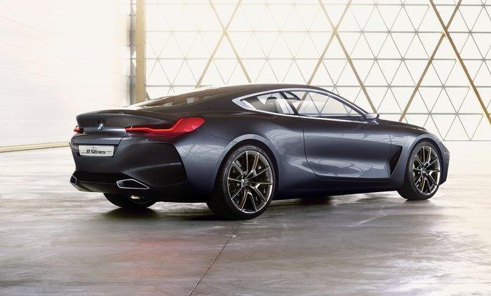 Η BMW Concept 8 είναι απόδειξη ότι το μέλλον θα είναι απολαυστικό - εικόνα 2