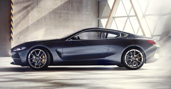 Η BMW Concept 8 είναι απόδειξη ότι το μέλλον θα είναι απολαυστικό