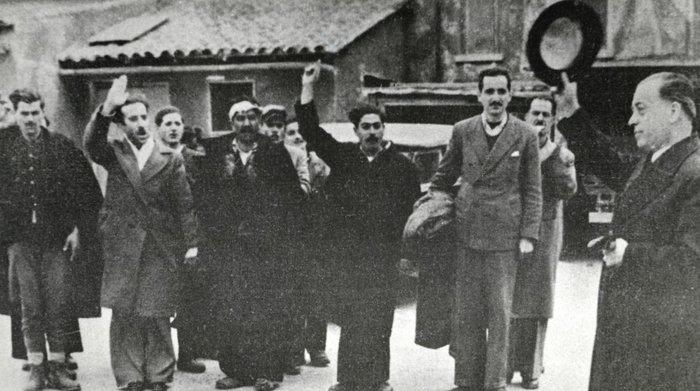 Η αποφυλάκισή του από τις φυλακές Αγιάς 1944
