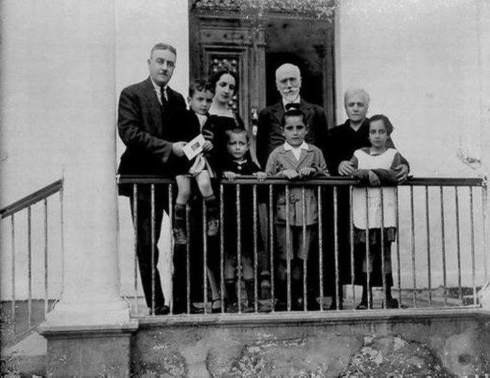 Ο Κωνσταντίνος Μητσοτάκης παιδί το 1925