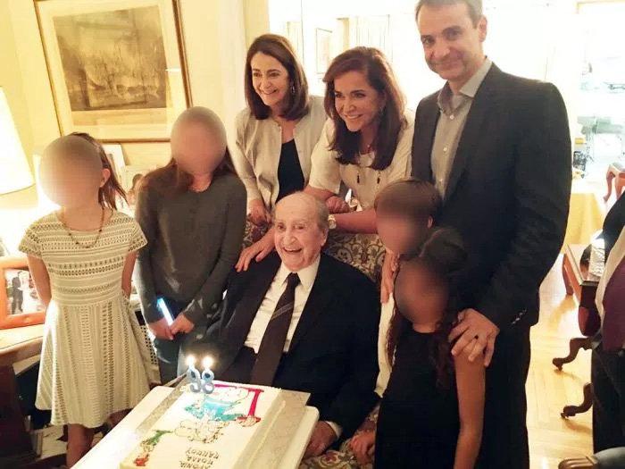 Τα τελευταία του γενέθλια σε ηλικία 98 ετών