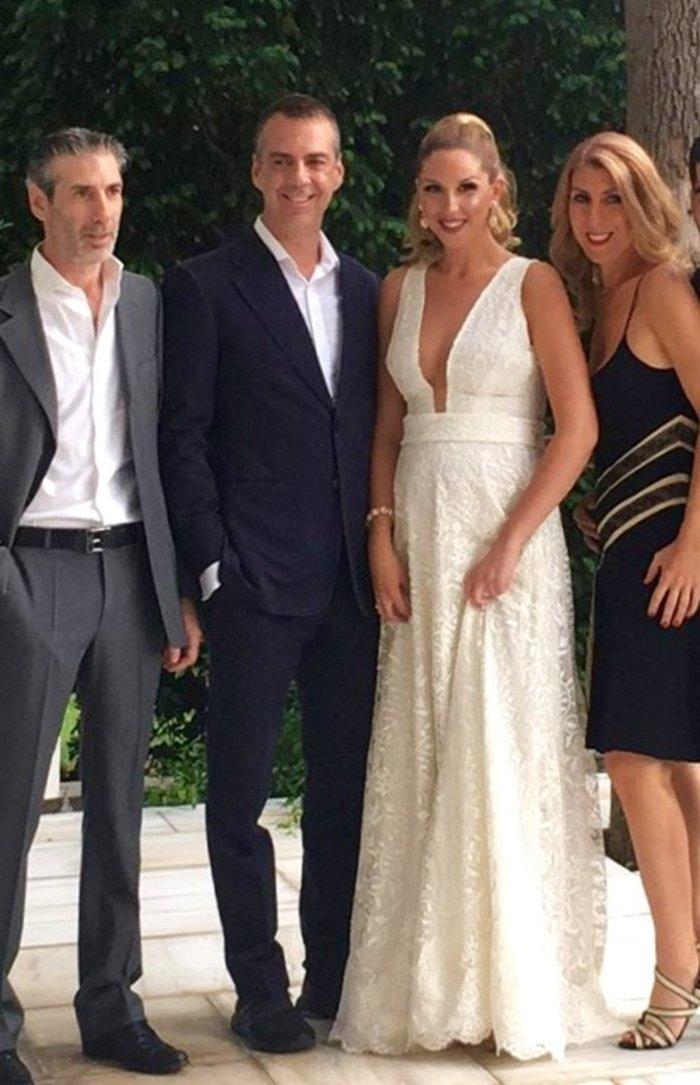 Ο Μάνος Πανταζής παντρεύτηκε την καλλονή σύντροφό του [Εικόνες] - εικόνα 3