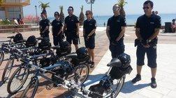Αστυνομικοί με βερμούδες και ποδήλατα στην Κατερίνη