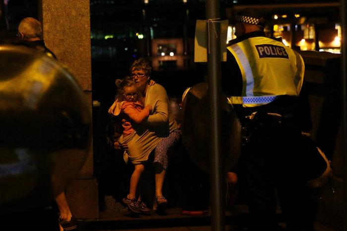 Στους 7 οι νεκροί από την τρομοκρατική επίθεση στο Λονδίνο - 48 τραυματίες - εικόνα 2